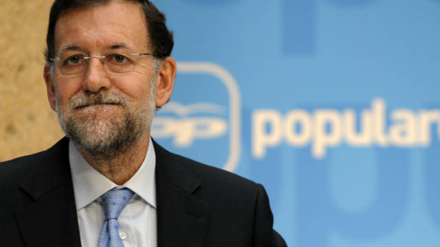 Spanish PM, Mariano Rajoy, has agreed with the EU to cut the deficit by more than 3 percentage points this year.