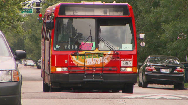Produce bus serving 'food deserts'