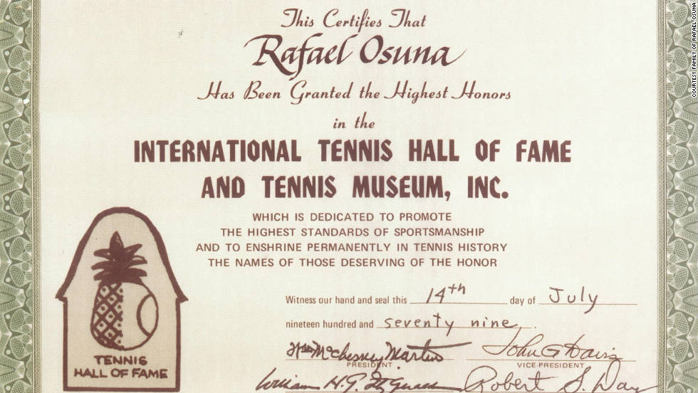 The official certificate to confirm Rafael Osuna's elevation to the tennis Hall of Fame in 1979.