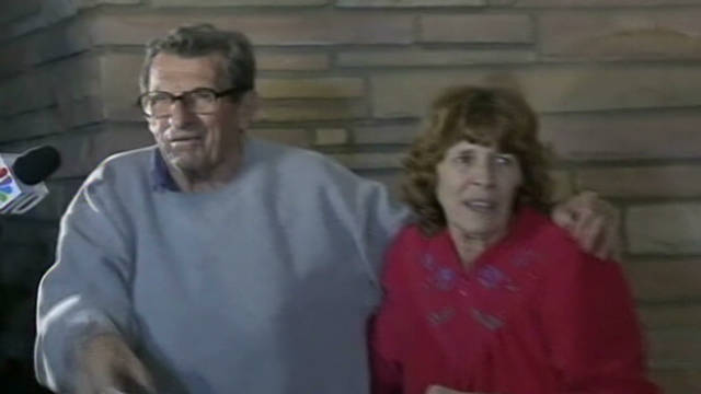 Joe Paterno speaks to fans after firing