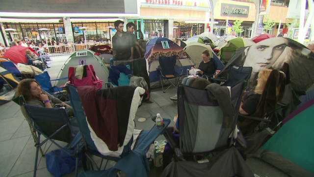 'Twilight' fans camp out for premiere