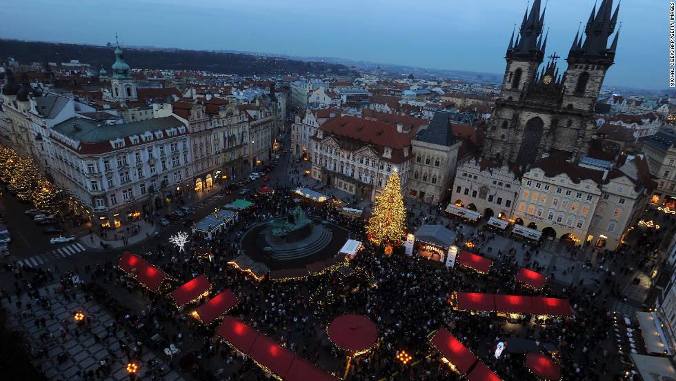Prague's beautiful Staroměstské náměstí, or Old Town Square, is downright ethereal during Christmas.