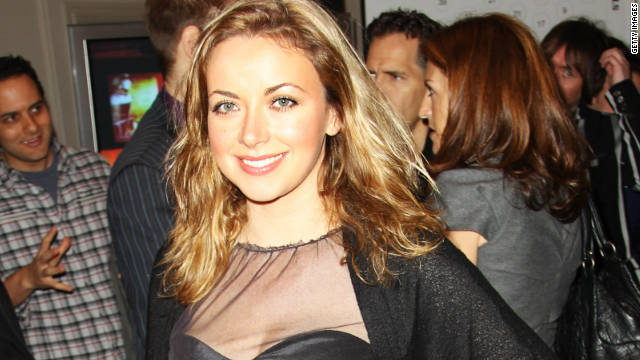 Singer Charlotte Church has received $952,000 from Rupert Murdoch's News Group Newspapers to settle a phone-hacking lawsuit.