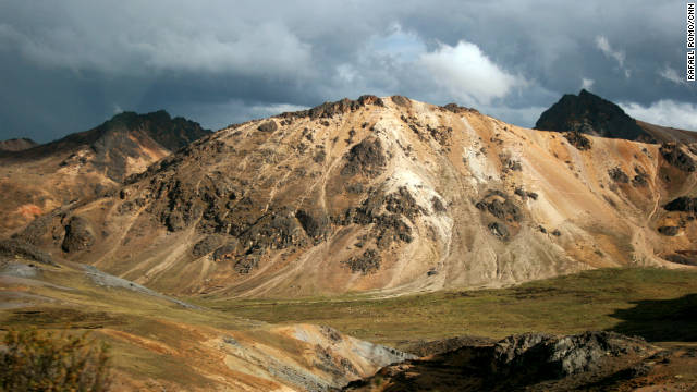 Epic paint job aims to restore glacier