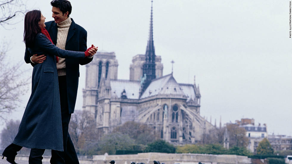The cold weather doesn't diminish the romance of the city nor the beauty of Notre Dame.