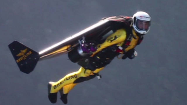 'Jetman' flies with real jets