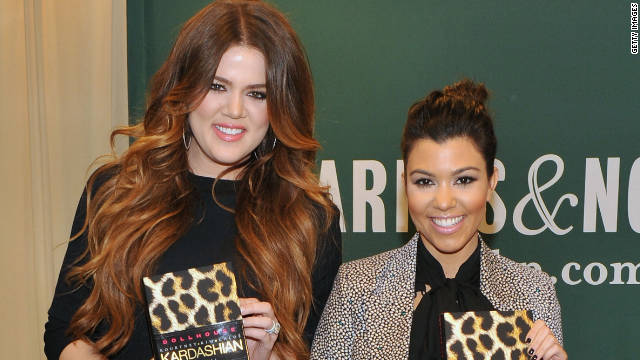 "Khloé Kardashian praised her older sister, Kourtney Kardashian, as ""the greatest mom in the world."""