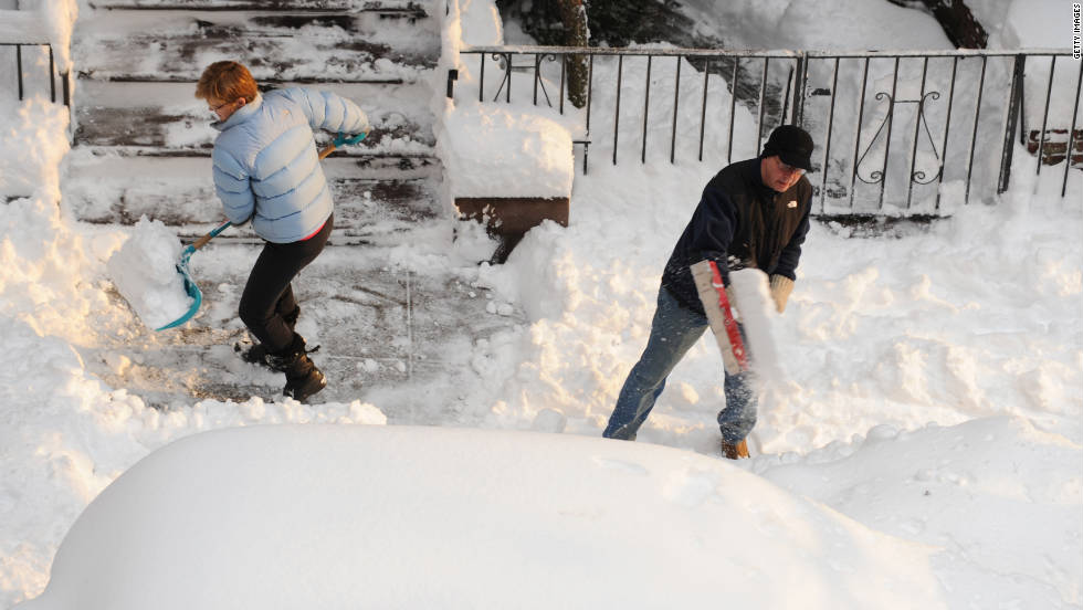 Shoveling snow may be a mundane task, but this winter activity is an aerobic exercise that burns up to 400 calories an hour. The heavier the snow, the more calories burned. But shoveling can be dangerous so be careful not to slip and fall.