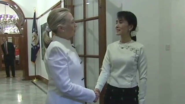 Clinton meets Myanmar's democratic icon