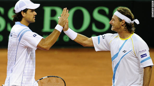 Argentina's David Nalbandian (right) and Eduardo Schwank coasted to doubles victory in the Davis Cup on Saturday