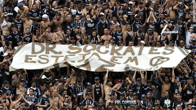Corinthians supporters honor Socrates during the Brazilian Championship final against Palmeiras on December 4.