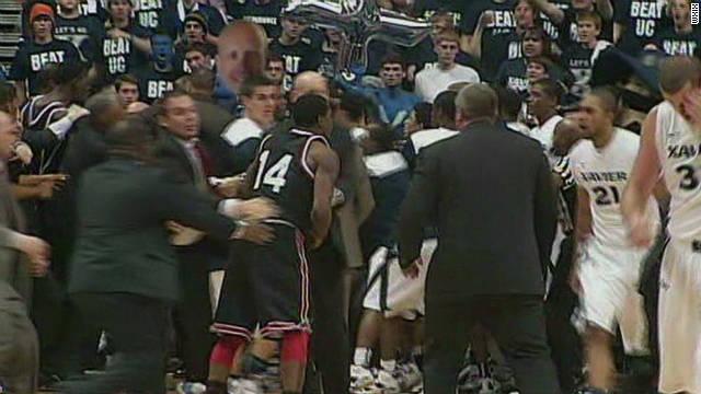 Cincinnati, Xavier players brawl at game