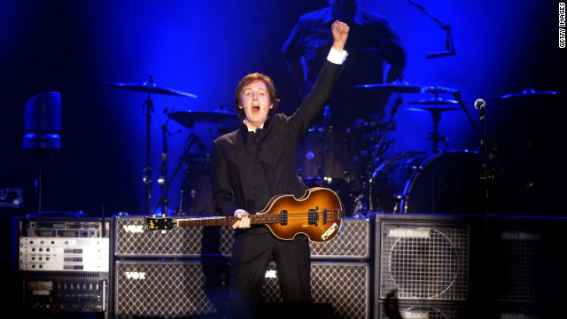 2012: Obama honors McCartney