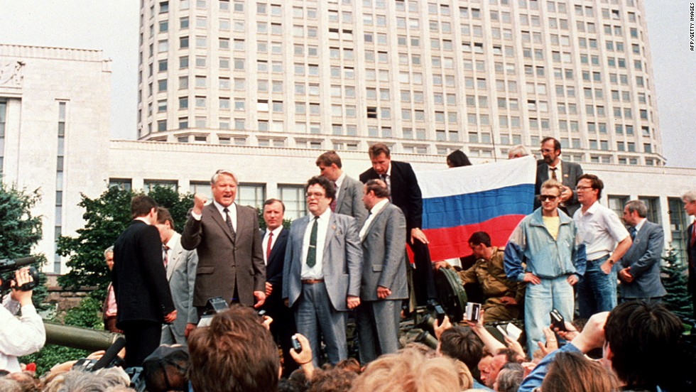 August 1991: As unrest continues in the republics, hardline coup plotters seize Gorbachev and position tanks outside parliament. Yeltsin rallies demonstrators against the plot.