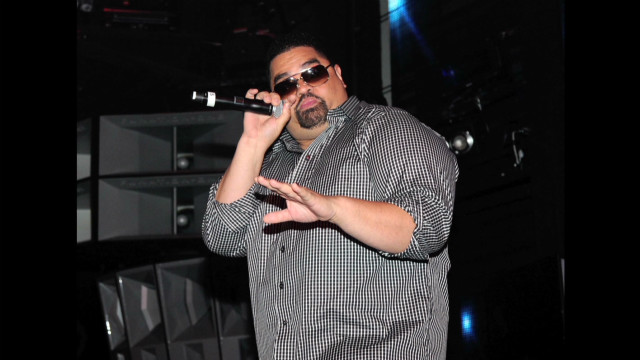 Fans honor rapper Heavy D