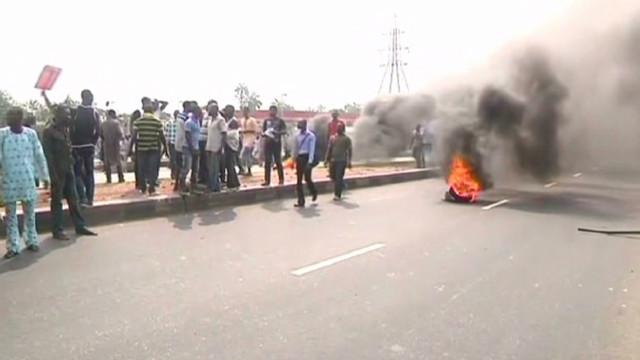 Nigeria unions urge strike over fuel
