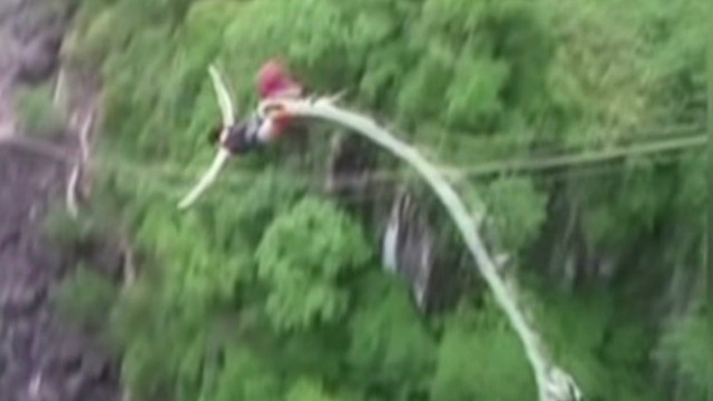 Woman describes bungee cord snap