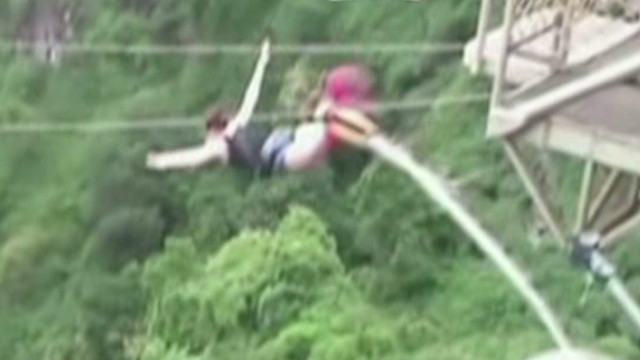 Tourist survives bungee cord break
