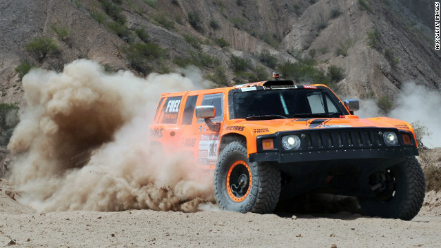 Bobby Gordon was the big winner in stage eight of the Dakar Rally as he closed on overall leader Stéphane Peterhansel.