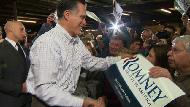Romney fights back on Bain attacks