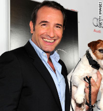 Dog from 39 the artist 39 steals the show at golden globes for Jean dujardin religion