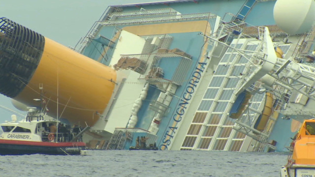 Fears of oil spill near cruise ship