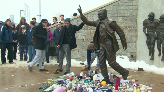 Mourners pause to remember 'JoePa'
