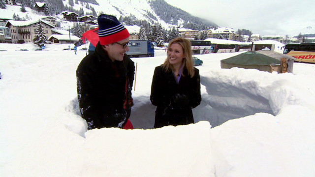 Occupy protesters build igloos in Davos