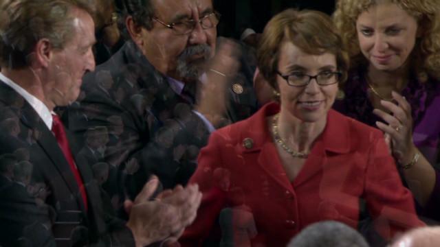 Giffords arrives for Obama address