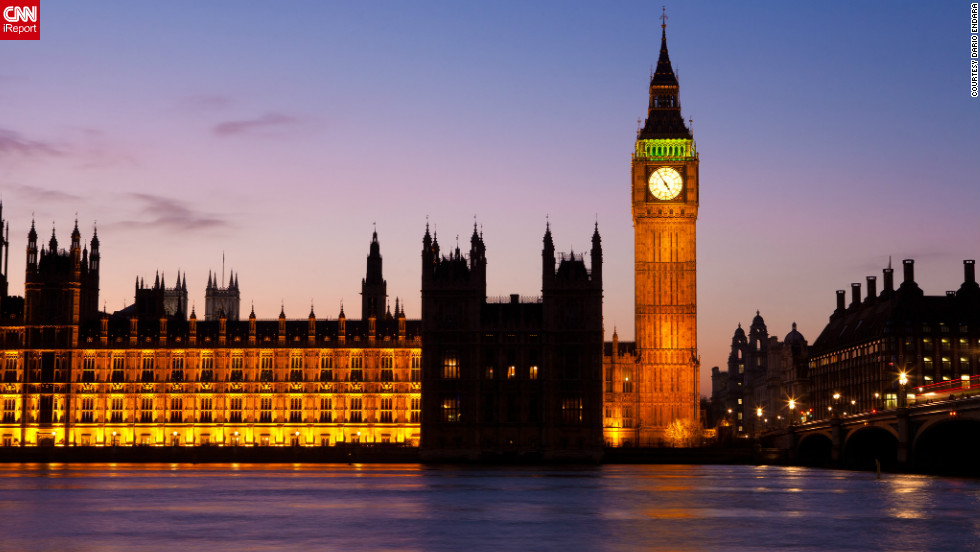iReporters take us on their own tour of London's iconic sights. Dario Endara snapped this gorgeous photo of the Houses of Parliament and the Big Ben clock tower at night.
