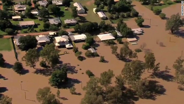 Record flooding swamp Australian town