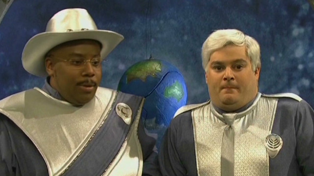'SNL' spoofs Gingrich's moon colony