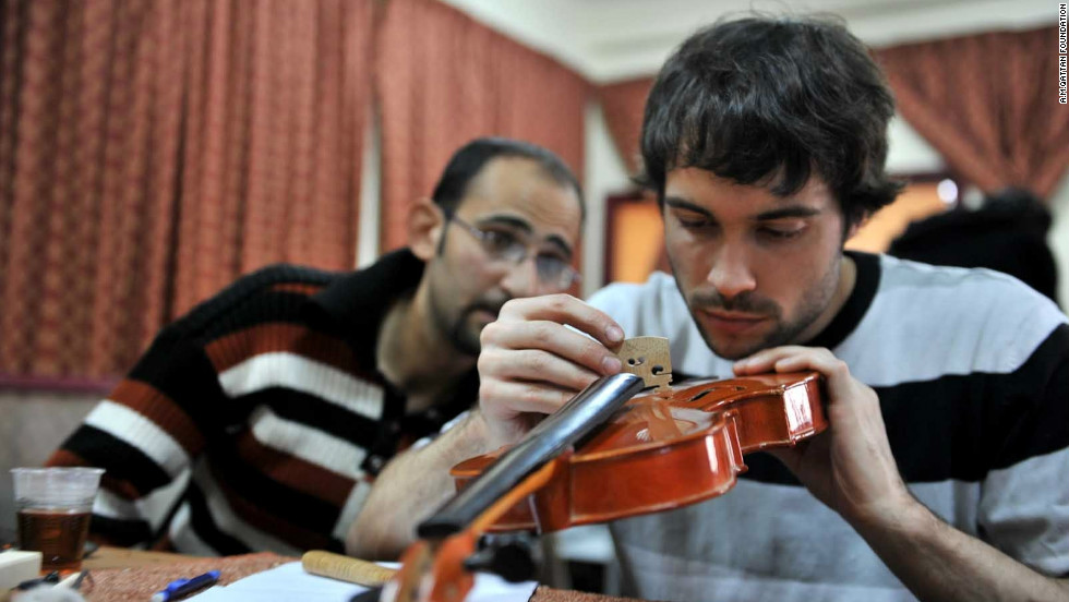 String instrument repair and maintainance workshop