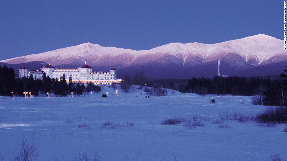 The Omni Mount Washington Resort is an elegant après-ski option in Bretton Woods, New Hampshire.