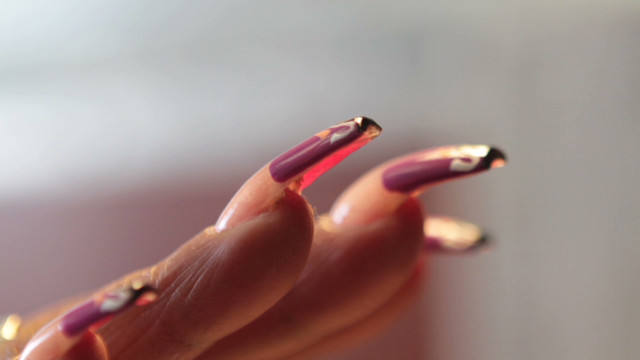 Scratch the surface: Nail art