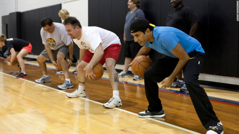 Dr. Sanjay Gupta and the 'Lucky 7' do a basketball workout with the Atlanta Hawks trainers