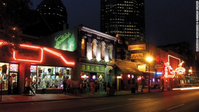 Tootsies is one of Nashville's most popular honky-tonks and a favorite with Gavin DeGraw.