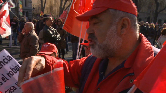 Spanish unions protest labor reforms