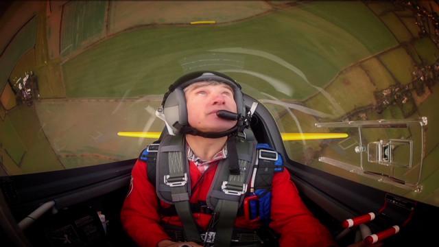 qmb natpkg stunt pilot mark jefferies_00013209