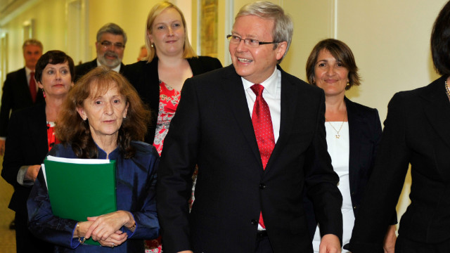 Former foreign minister Kevin Rudd arrives for the Labor leadership ballot on Monday.