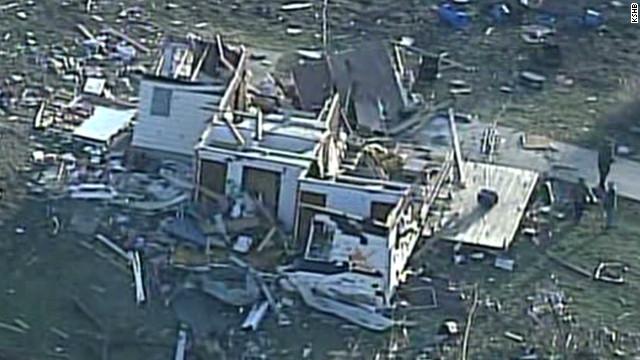 Storm slashes through Kansas town