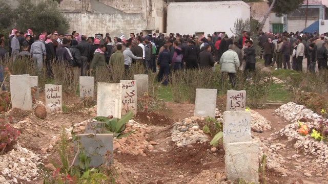Struggling to survive in town near Homs