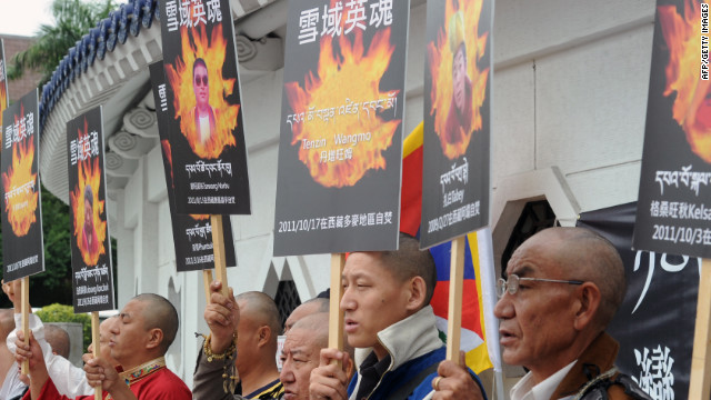 Should Dalai Lama condemn immolations?