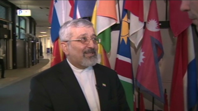 Sanctions 'not affecting' Iran nukes
