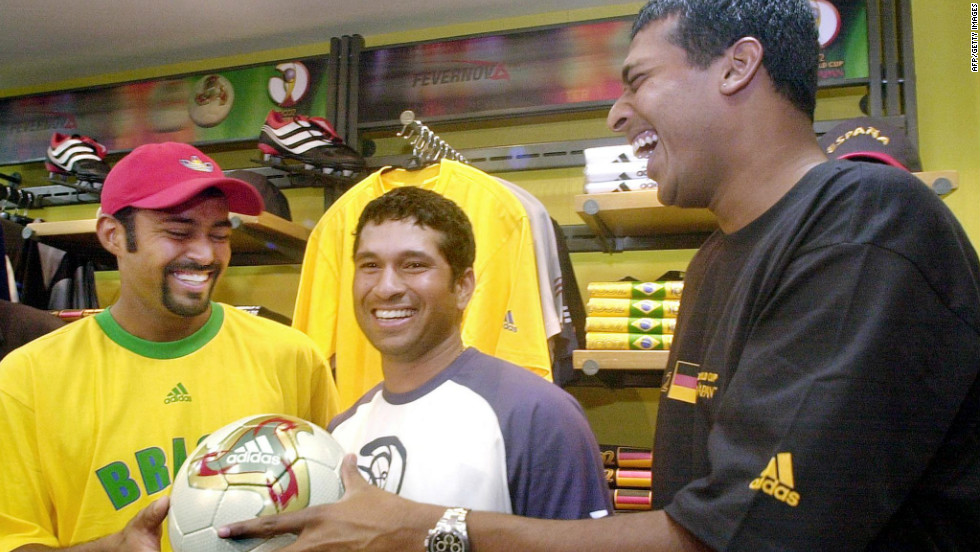 "Bhupathi and Paes are household names in India but they can't quite match the fame that cricketer Sachin Tendulkar enjoys. Here the duo meet the highest runscorer in Test cricket -- known as the ""Little Master"" -- in 2002."
