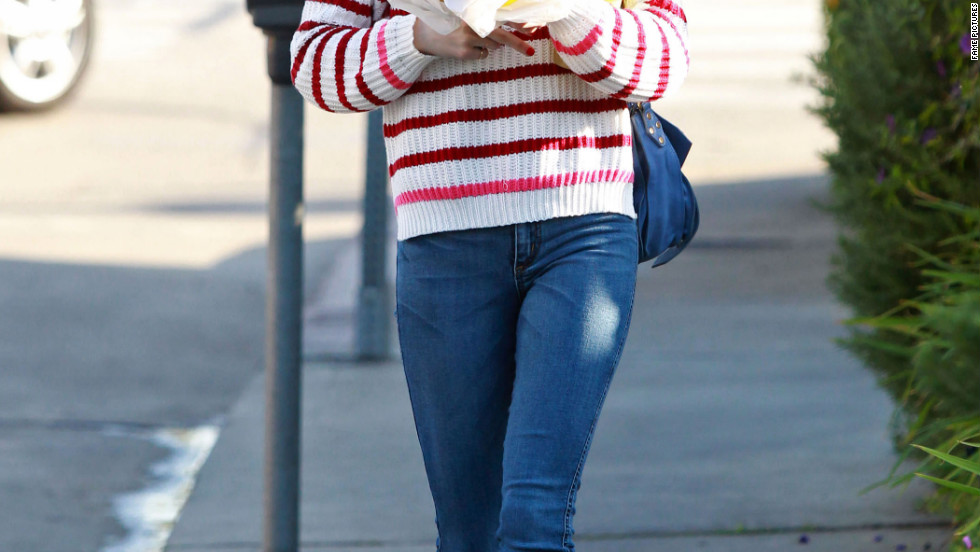 Emma Roberts gets her nails done and grabs food in West Hollywood.