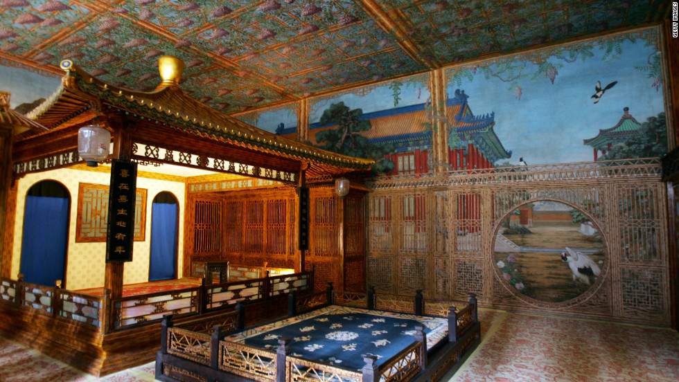 The Juanqin Studio, one of the most luxurious buildings in the Forbidden City, was built for Qing Emperor Qianlong (1711-1799).