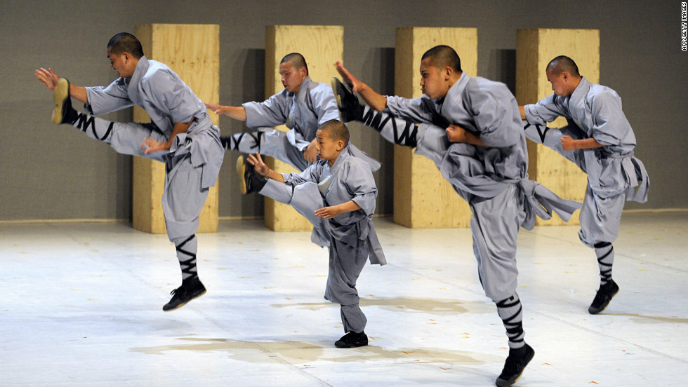 Rojo explains that many other influences -- such as Kung Fu -- also pervade recent developments in Chinese dance.