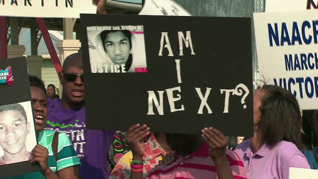 Kin rally to 'arrest Zimmerman now'