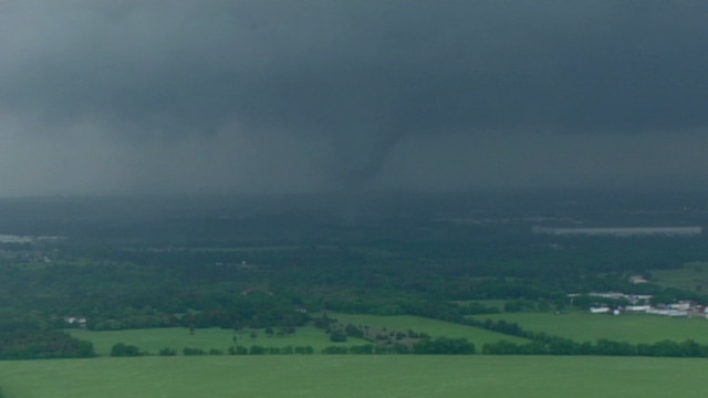 Twister rips through 18-wheelers, homes